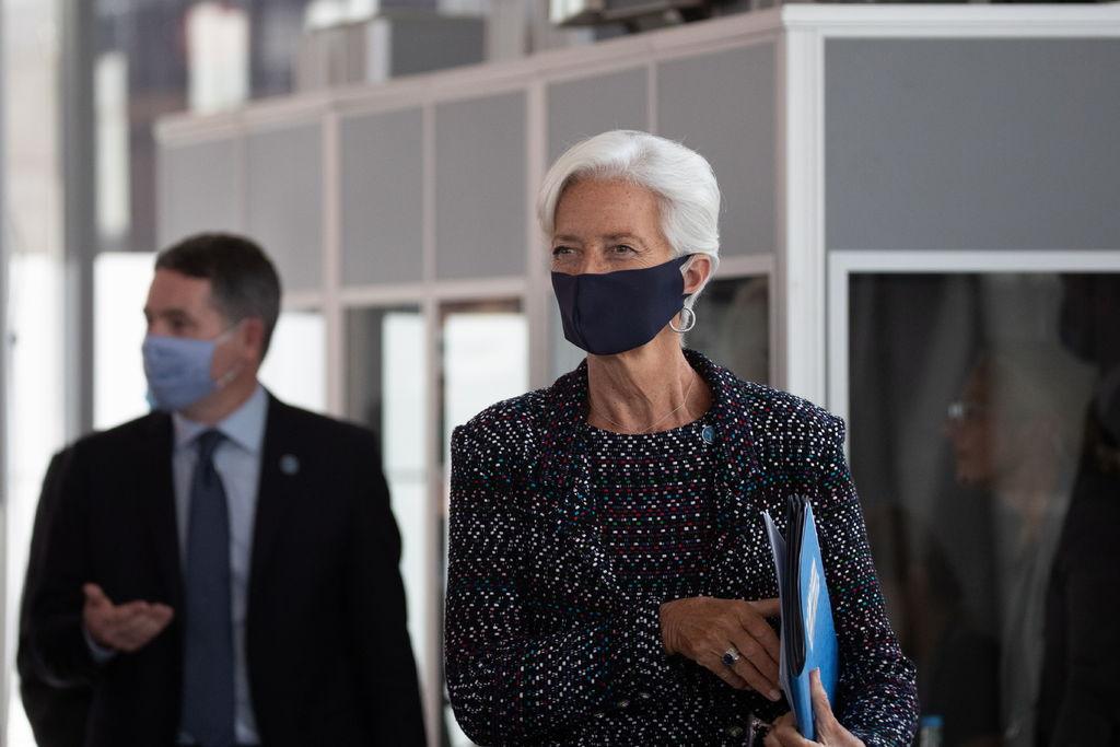 Zona Euro aún necesita apoyos: Christine Lagarde