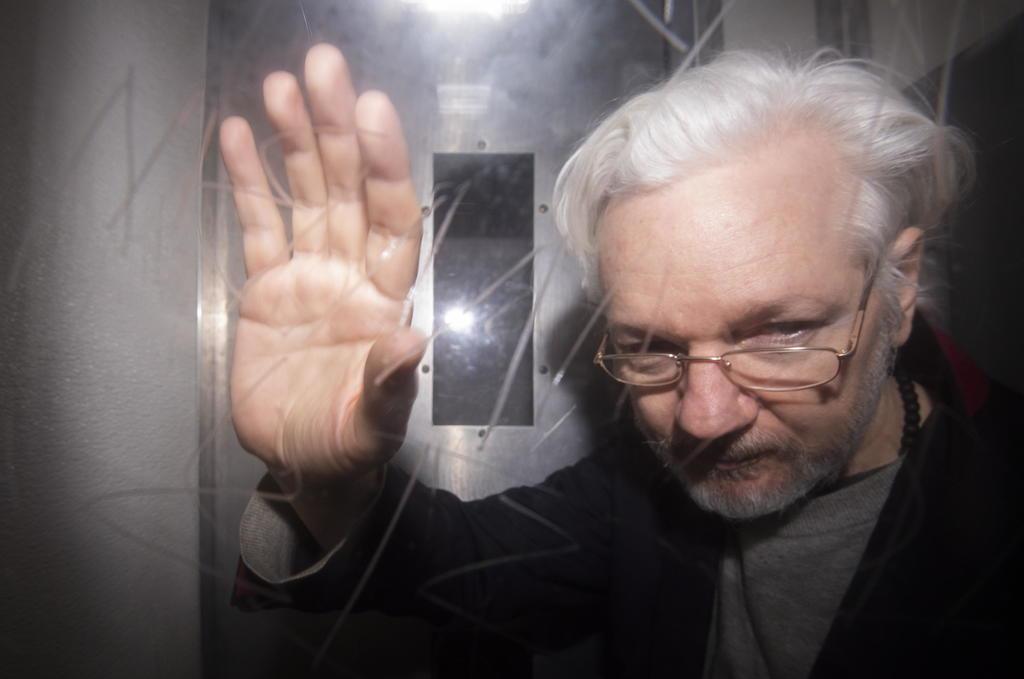Assange podría suicidarse si lo extraditan a EUA, advierte experto