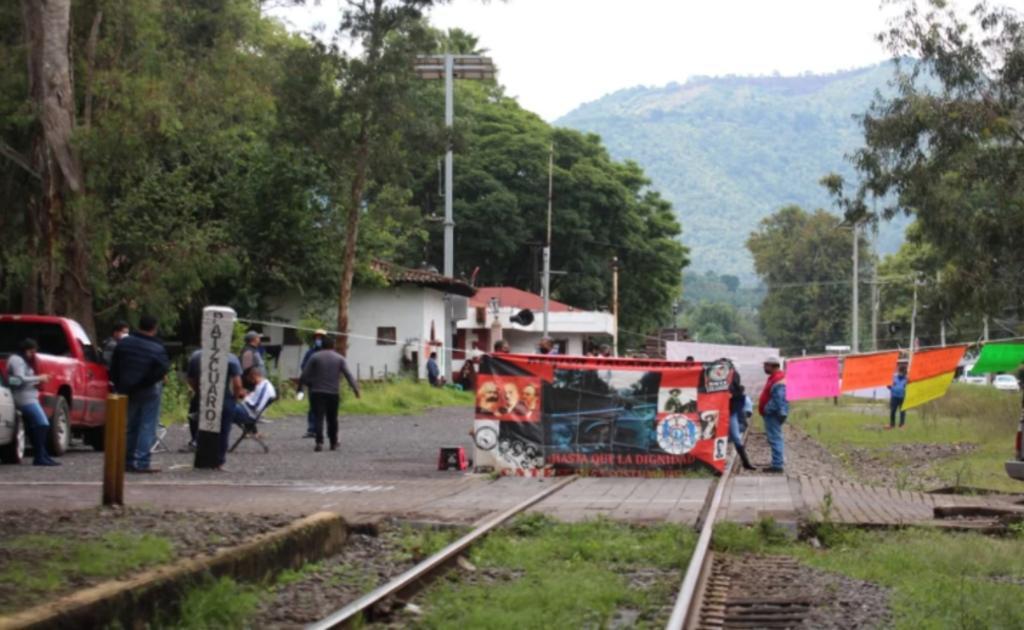 CNTE se deslinda de bloqueos a vías del tren en Michoacán