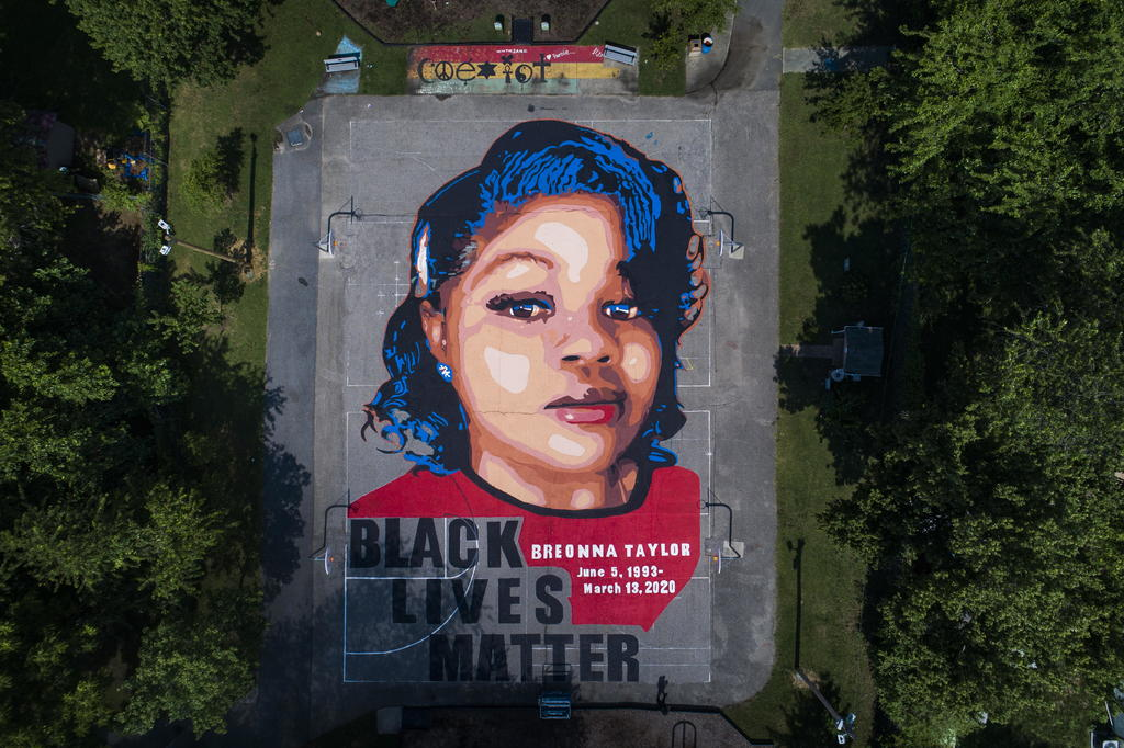 Temen protestas por caso de mujer negra que la policía mató en Kentucky