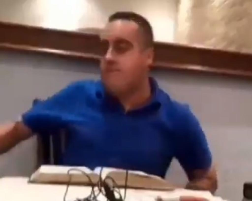 'Acepten la paz del señor', dice pastor tras golpear a su esposa en vivo