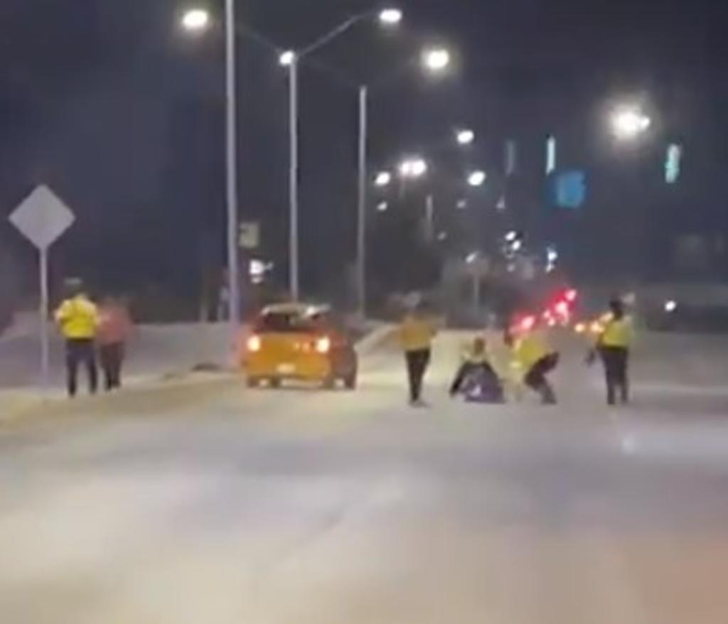 Difunden trifulca entre civiles y tránsitos en la Torreón-San Pedro