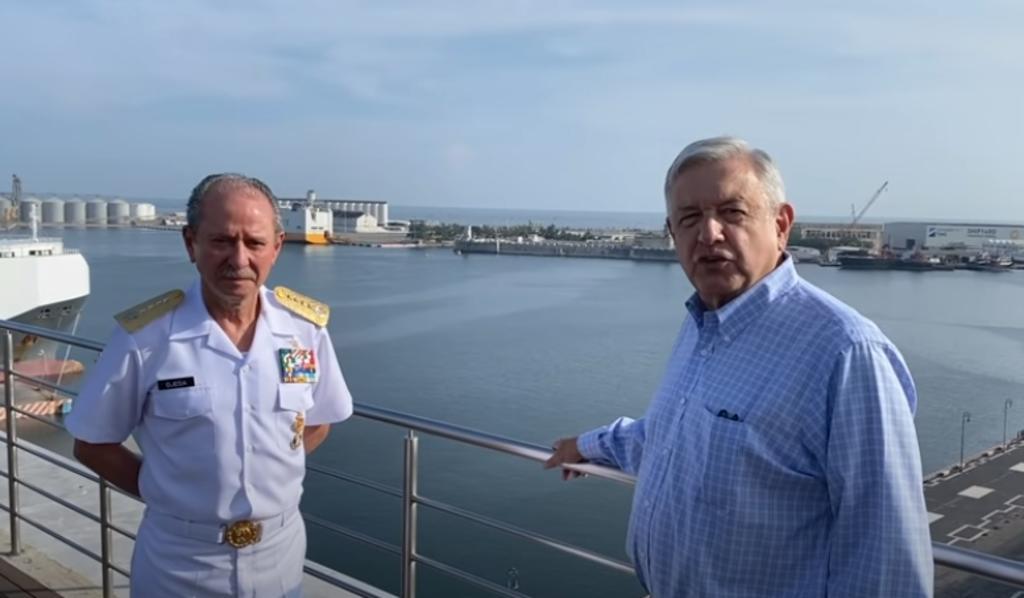 Vamos a revisar contratos para recuperar los puertos: López Obrador