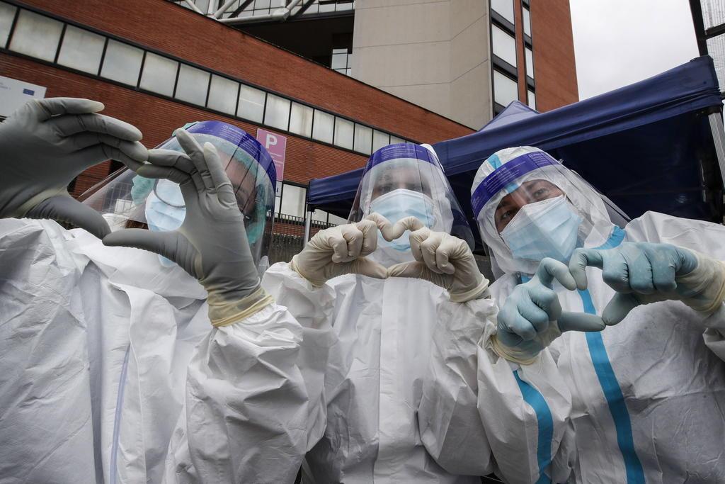 Nuevos casos de COVID-19 repuntan en 3,678 en Italia