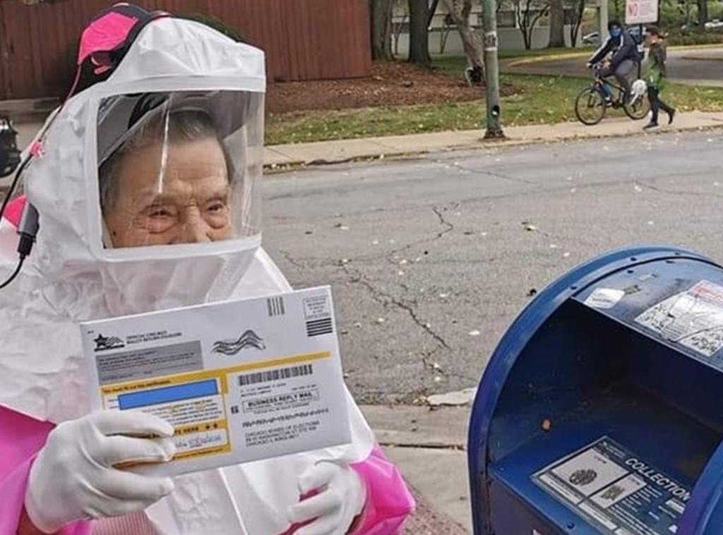 Anciana se hace viral por esta fotografía