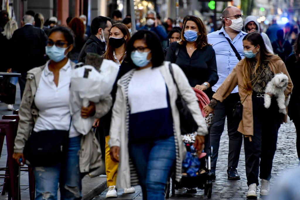 Obliga Italia a llevar tapabocas siempre; alarga el estado de emergencia