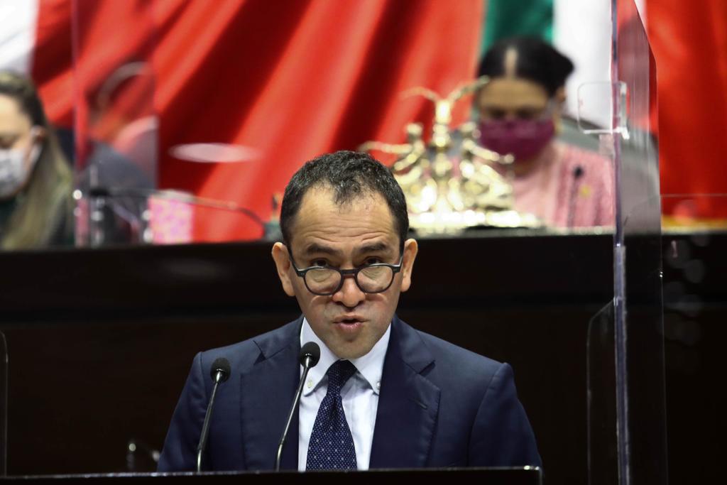 Vacuna contra COVID-19, ruta para salir de la crisis en México: Arturo Herrera