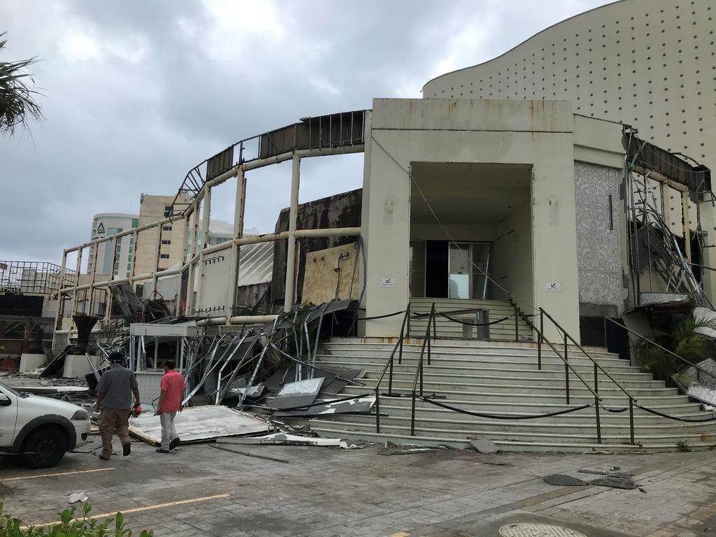 Paso de 'Delta' paraliza turismo en Cancún