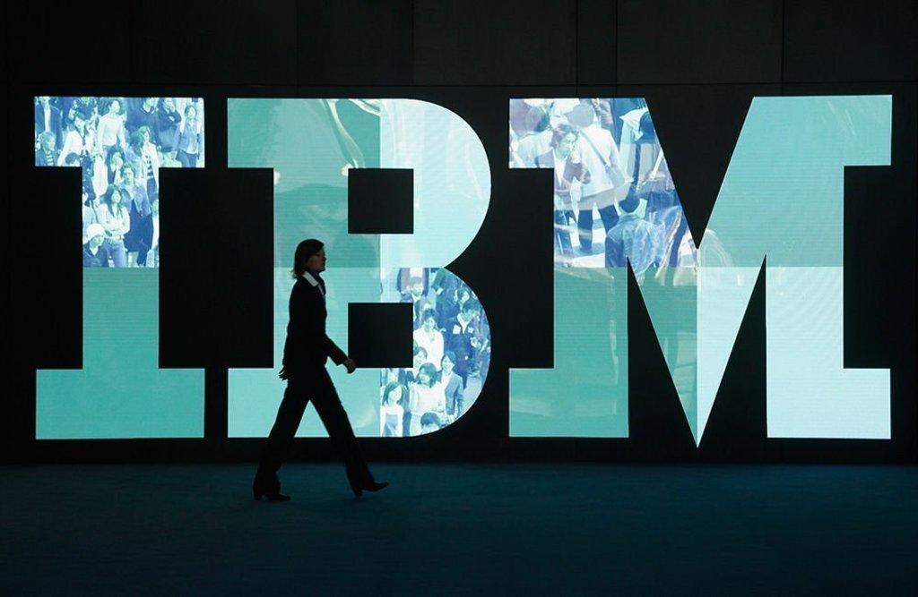 Divide IBM parte de su negocio en una filial; refuerza apuesta por la nube