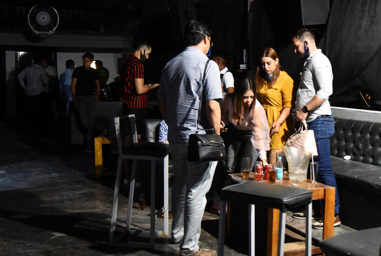 Multas por vender alcohol fuera de horario serán de hasta 14 mil pesos