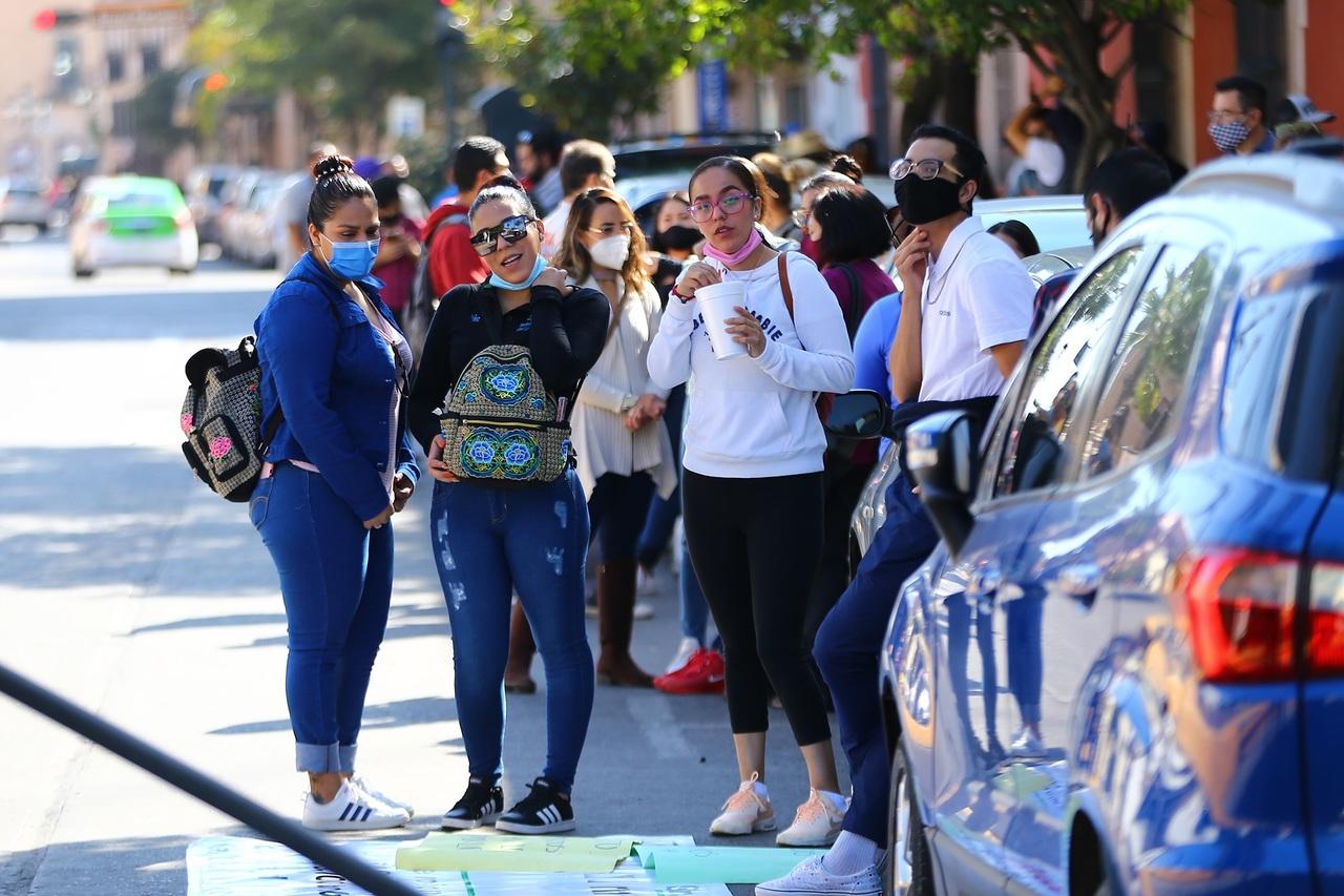 Jóvenes de Durango pierden el miedo al Covid-19