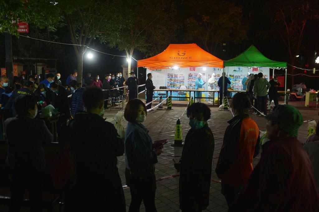 China no halla casos tras 11 millones de pruebas