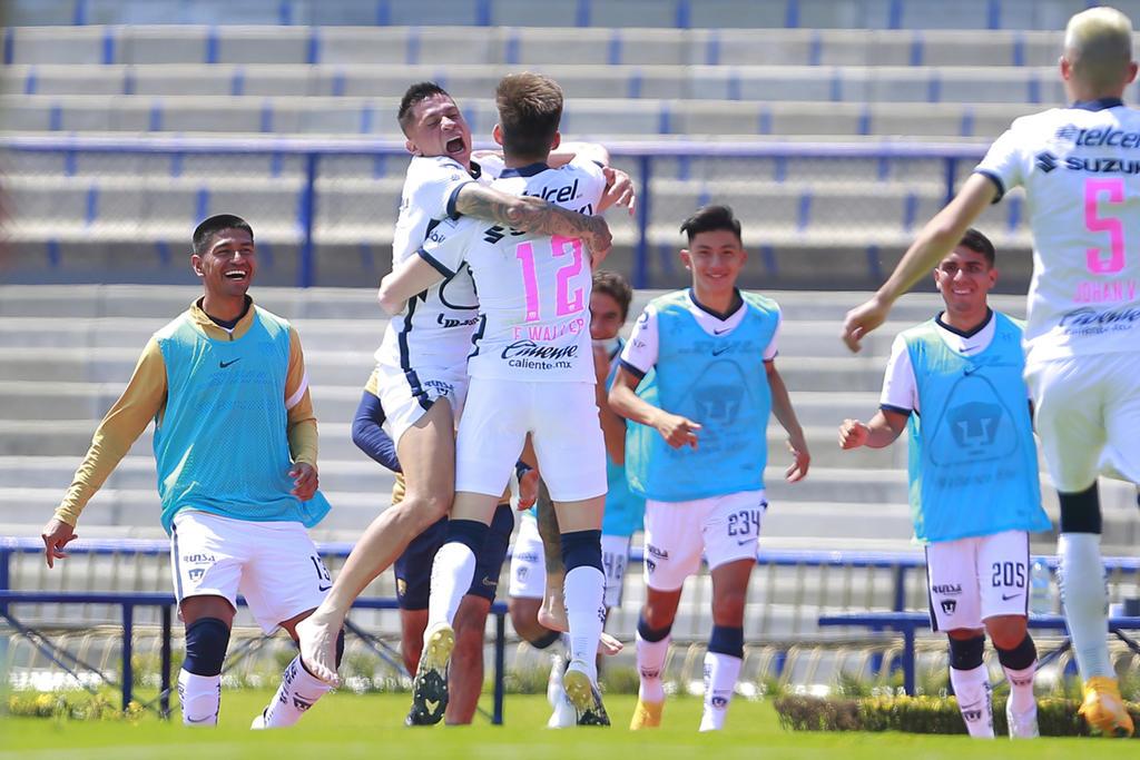 Pumas se lleva el triunfo gracias a autogol del portero de Toluca