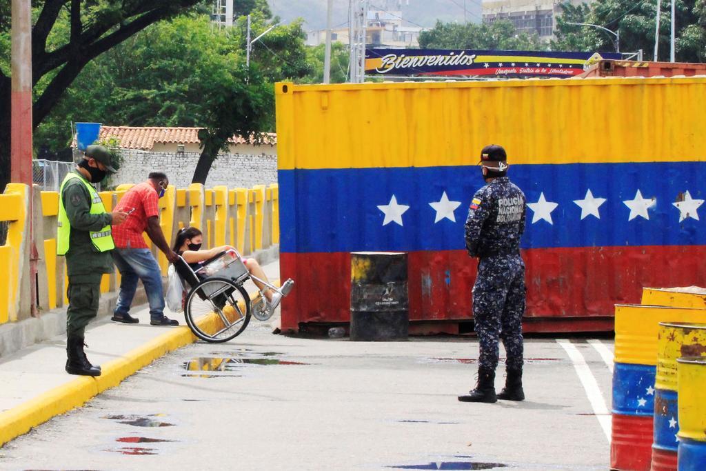 Periodista es detenida tras allanamiento a un diario regional en Venezuela