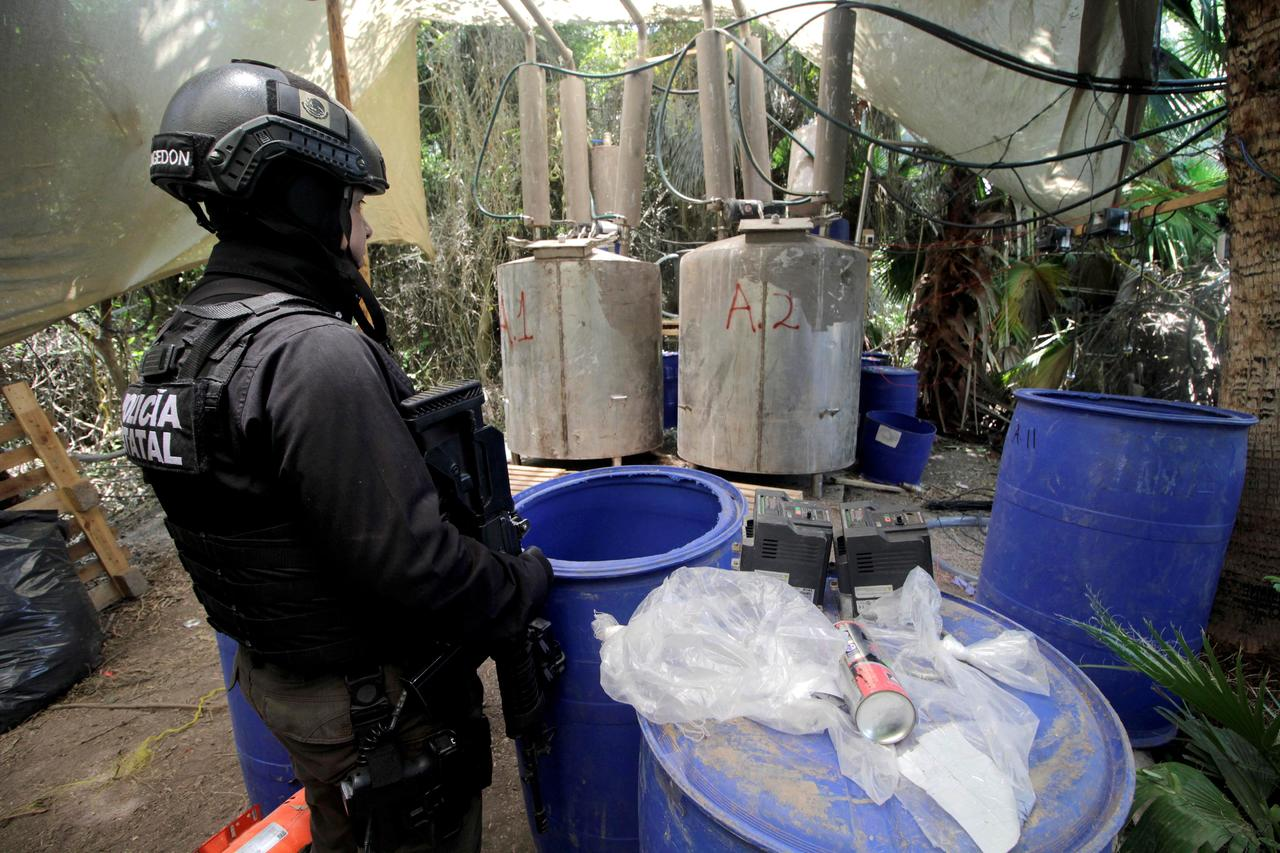 Detectan envíos de químicos para drogas