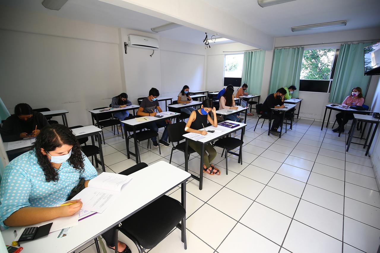 Fallas en internet afectan desempeño escolar en Pueblo Nuevo