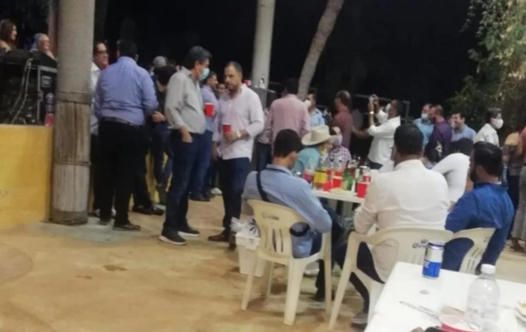 Exgobernador de BCS hace fiesta de cumpleaños y lo tunden en redes