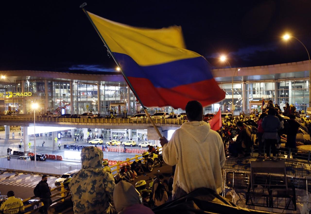 Violencia se recrudece en zonas de Colombia