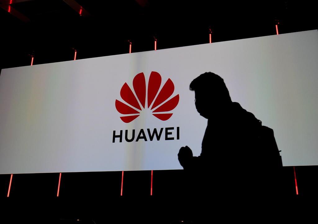 Propone Huawei un '5.5G' para usos industriales o conducción autónoma