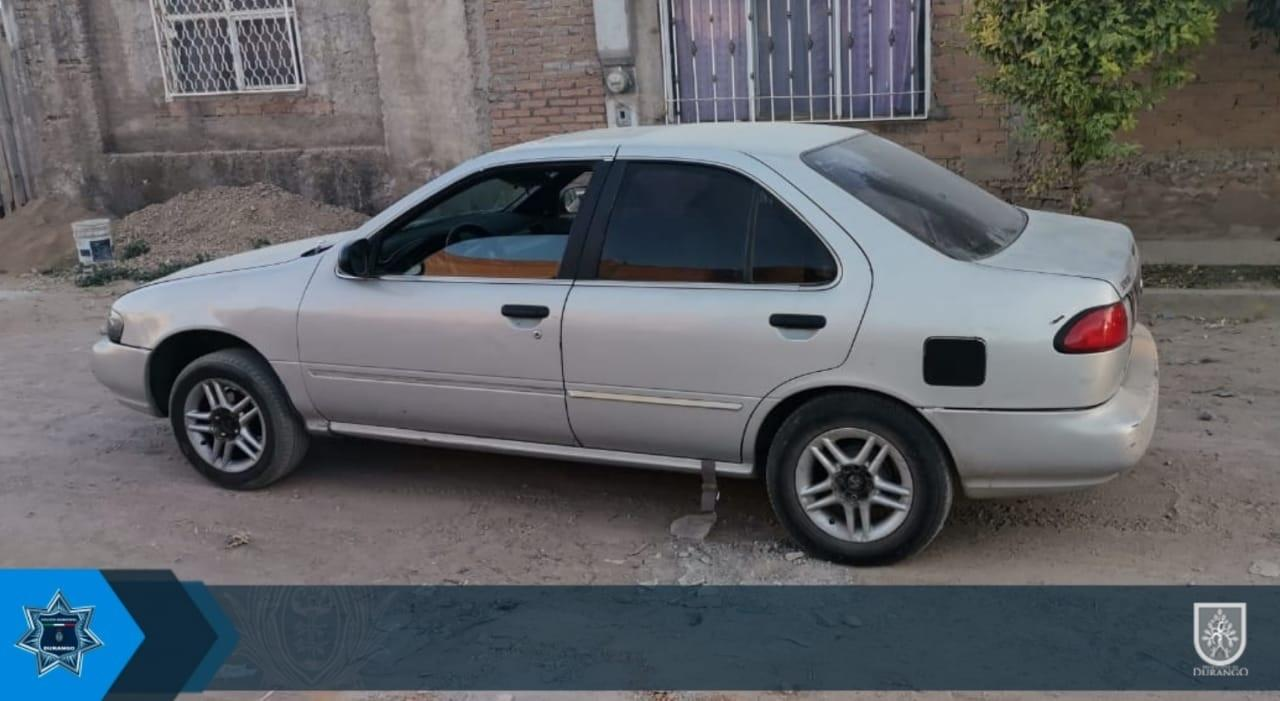 Recuperan auto robado en Durango