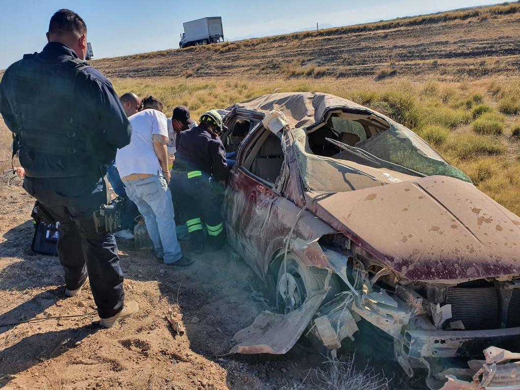 Volcadura en Ceballos deja una mujer lesionada