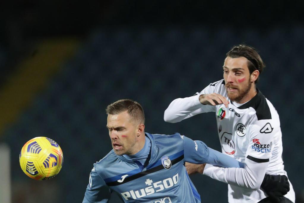 ¿Por qué los jugadores de Serie A marcaron su rostro de color rojo?