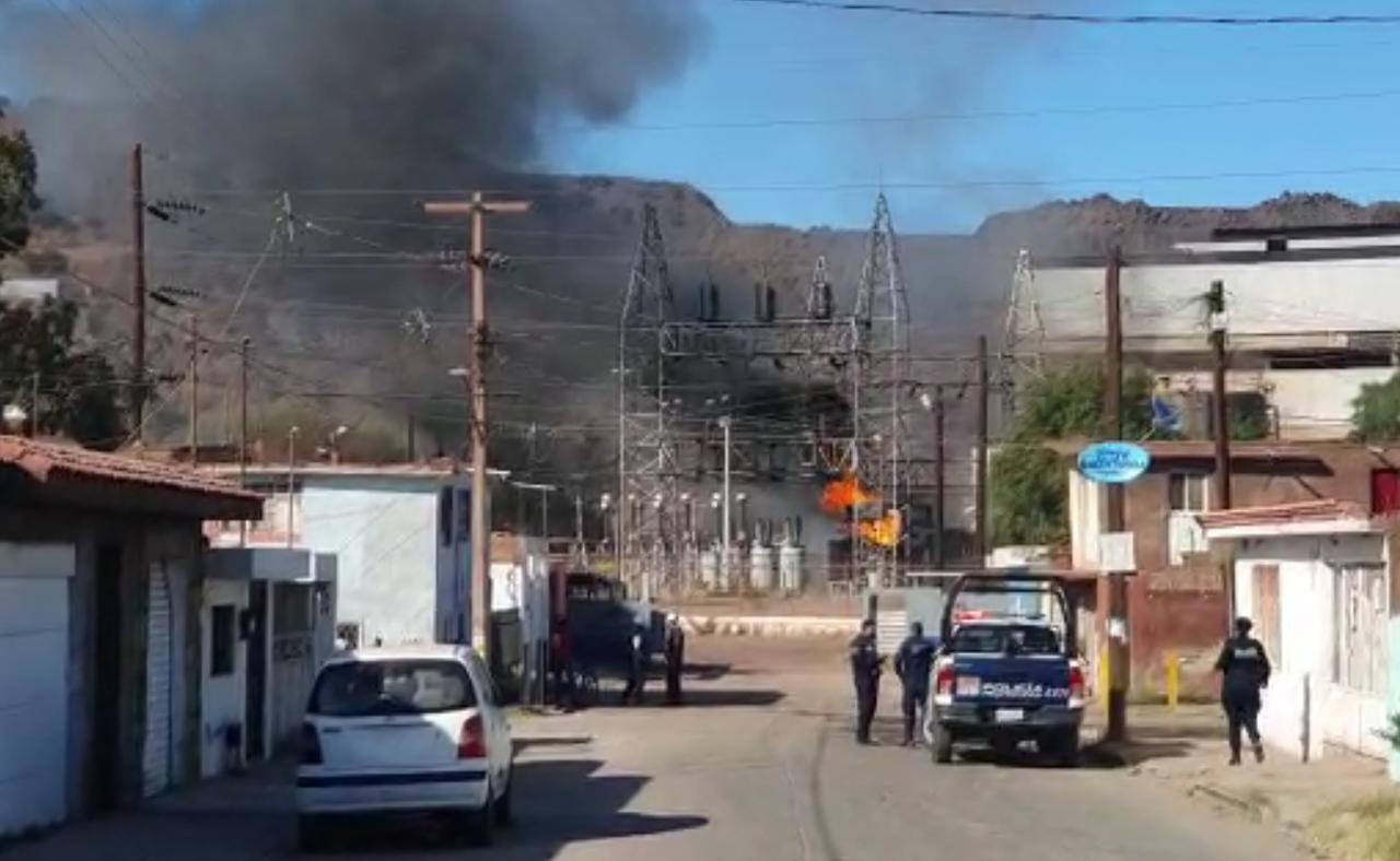 Arde subestación de CFE en Cerro de Mercado; hubo corte de energía en algunas zonas