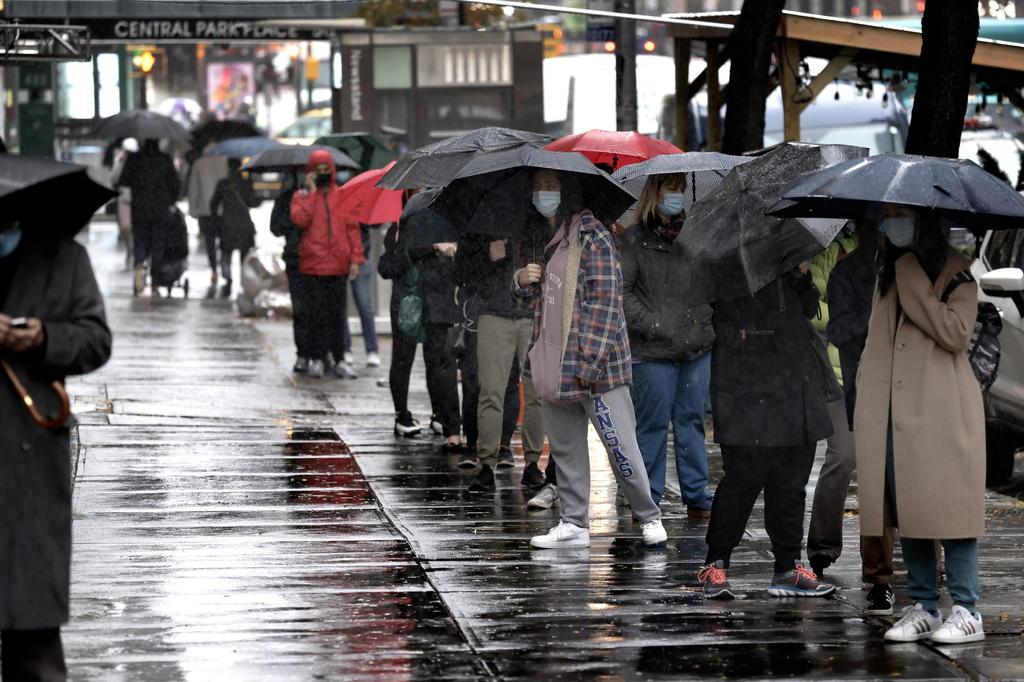 Impone Nueva York nuevas restricciones en la ciudad por avance del COVID-19