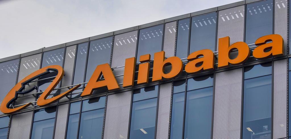 Bloquea India a 43 apps chinas; entre ellas Alibaba