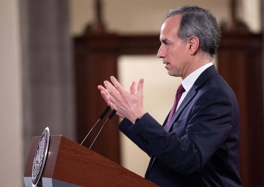 Hay una 'injusta' campaña de desprestigio contra López-Gatell, acusa AMLO