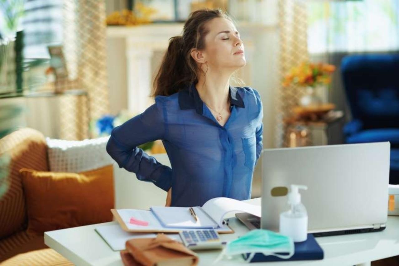 Trabajo en casa: cómo cuidar tu espalda