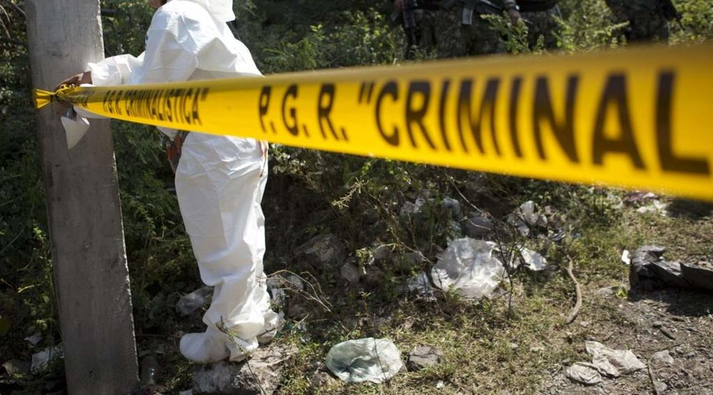 Hallan fosa clandestina con restos humanos en Sinaloa