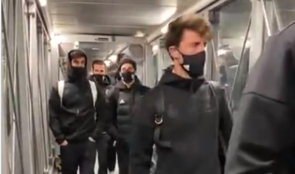 Real Madrid retrasa su vuelo a Pamplona por nieve en España; los jugadores esperan dentro del avión