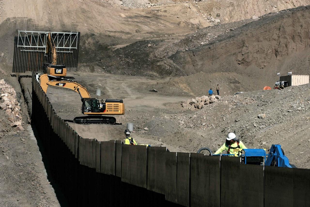 Presidente revisará trabajos de muro