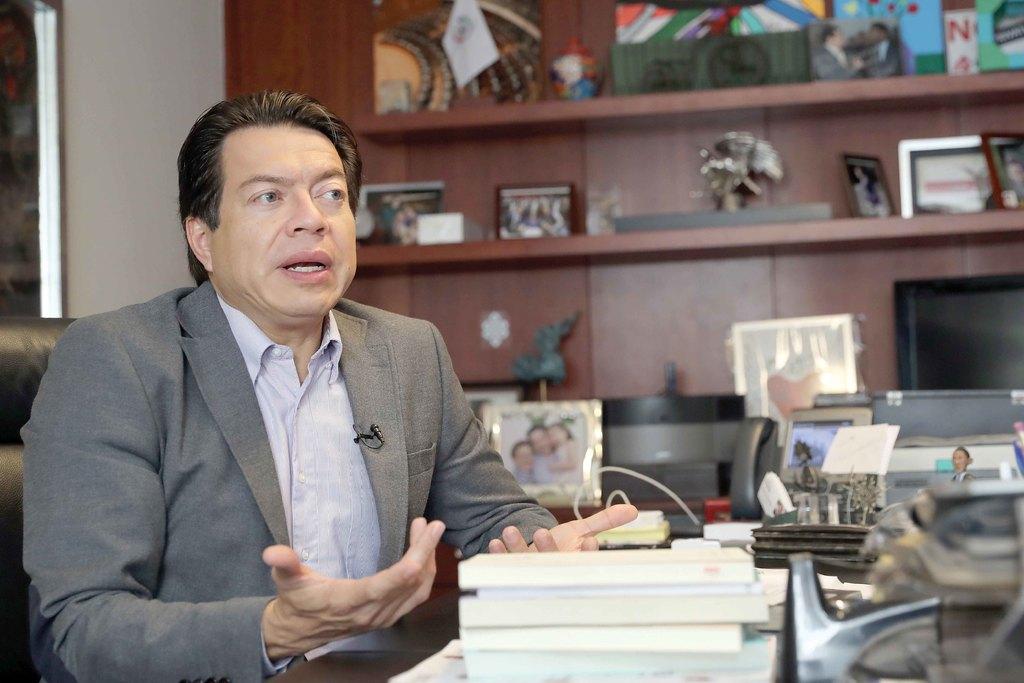 Líderes de Morena y PRI se enfrentan