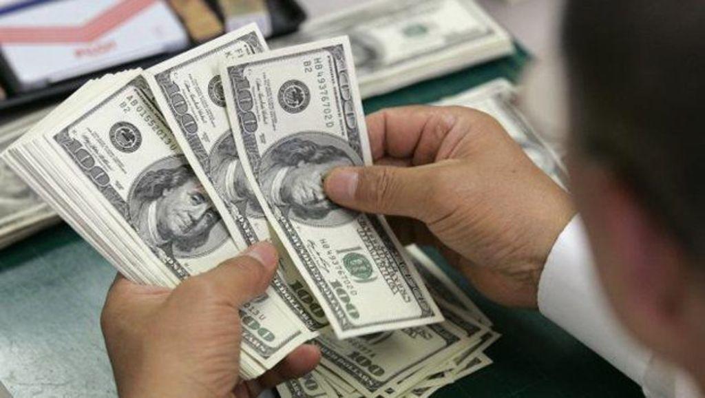 Dólar registra su mayor precio en casi un mes