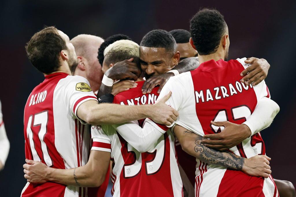 Ajax sostiene su liderato de la Eredivisie ante el PSV Eindhoven