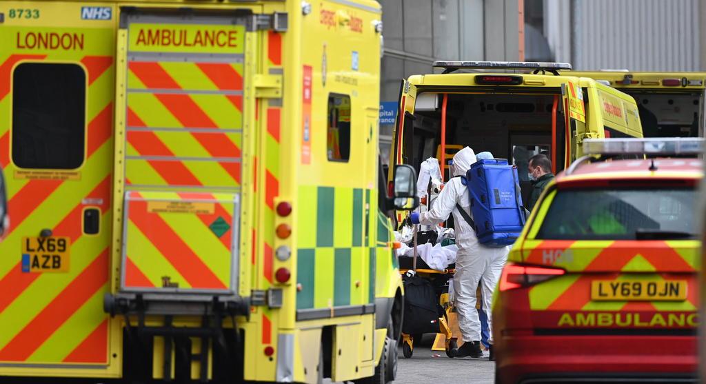 Alerta Johnson que escasea el oxígeno en algunos hospitales del Reino Unido