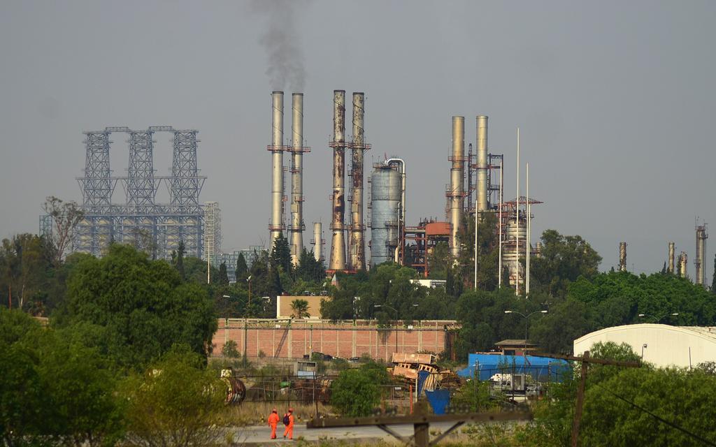 Se manifiestan trabajadores de Pemex en refinería Hidalgo