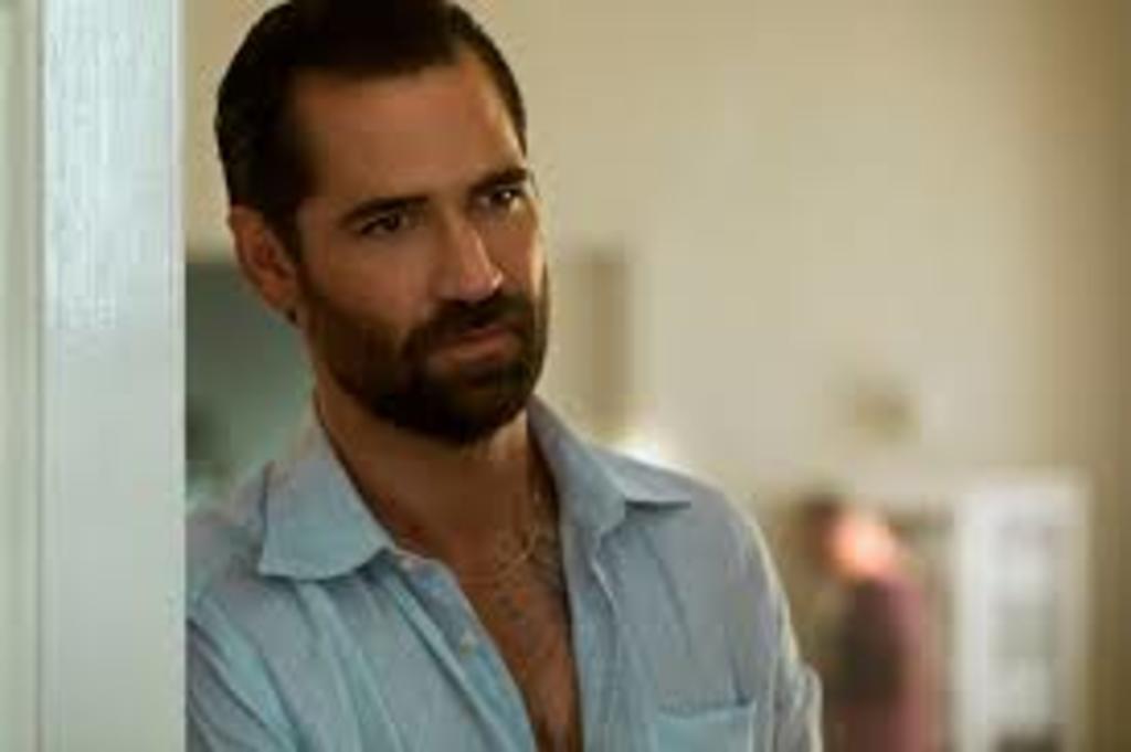 Manuel García-Rulfo protagonizará 'The Lincoln Lawyer' en Netflix