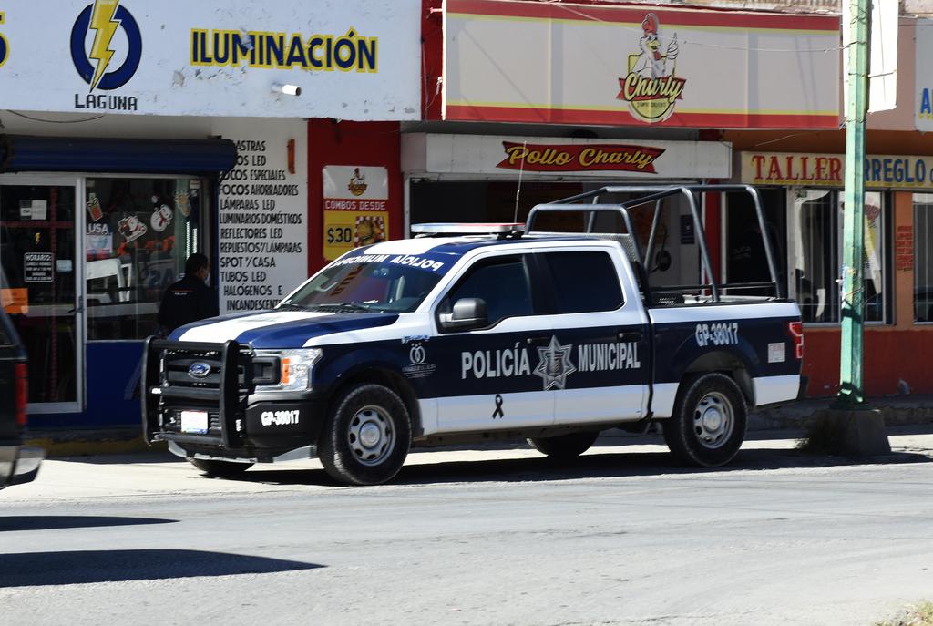 Asaltan a taxista falsos pasajeros en Lerdo