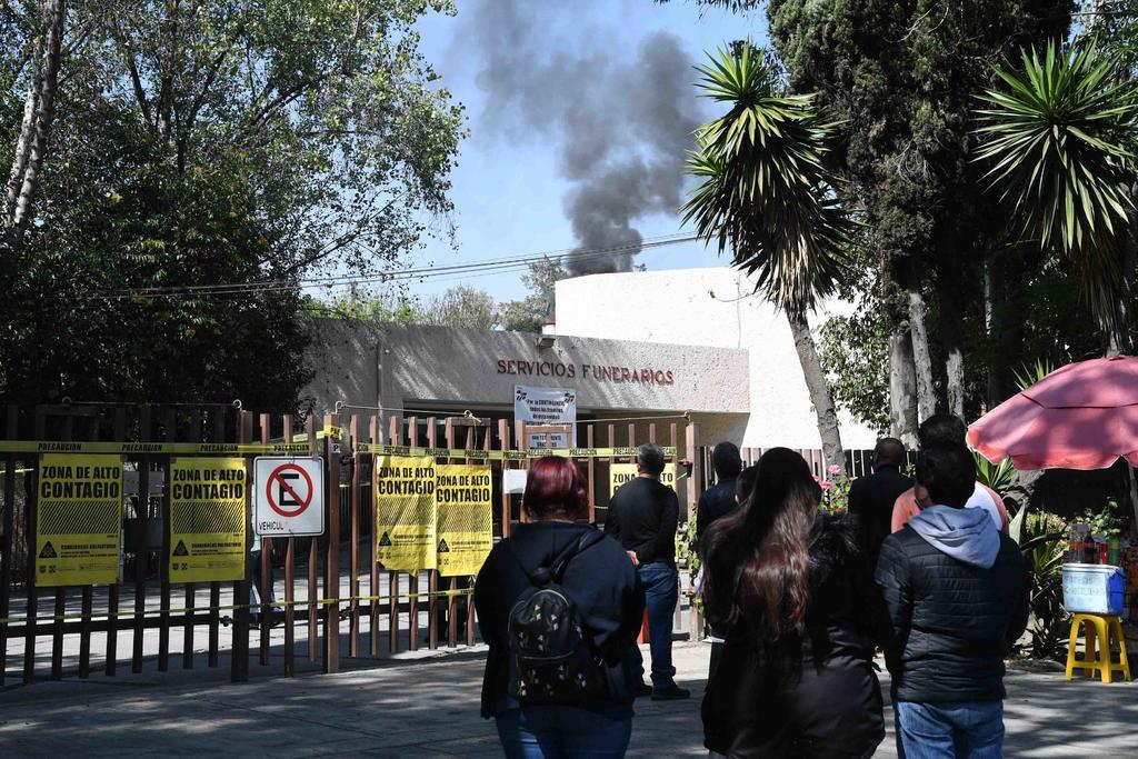 Piden que se vacune contra COVID a personal de funerarias en México