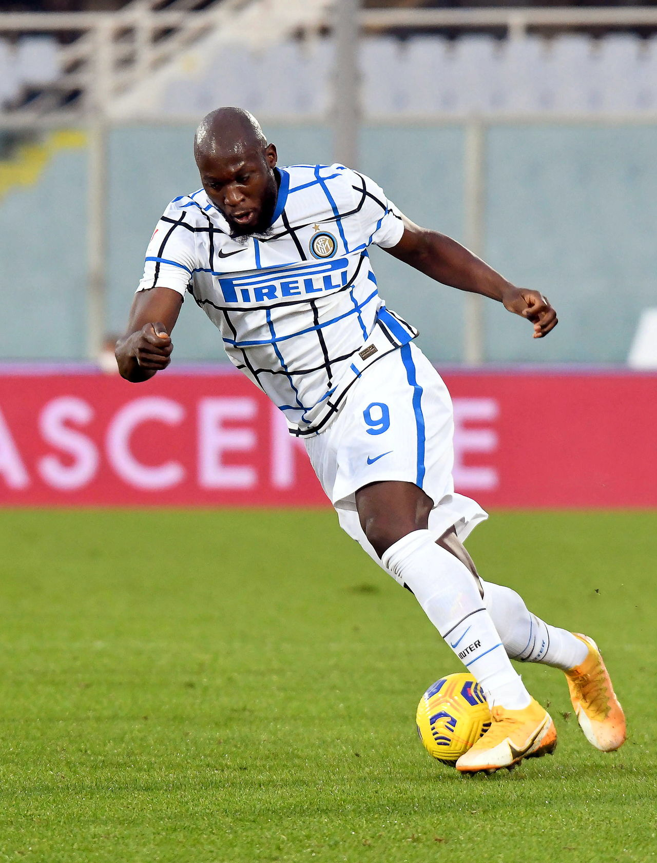 Lukaku rescata al Inter de Milán