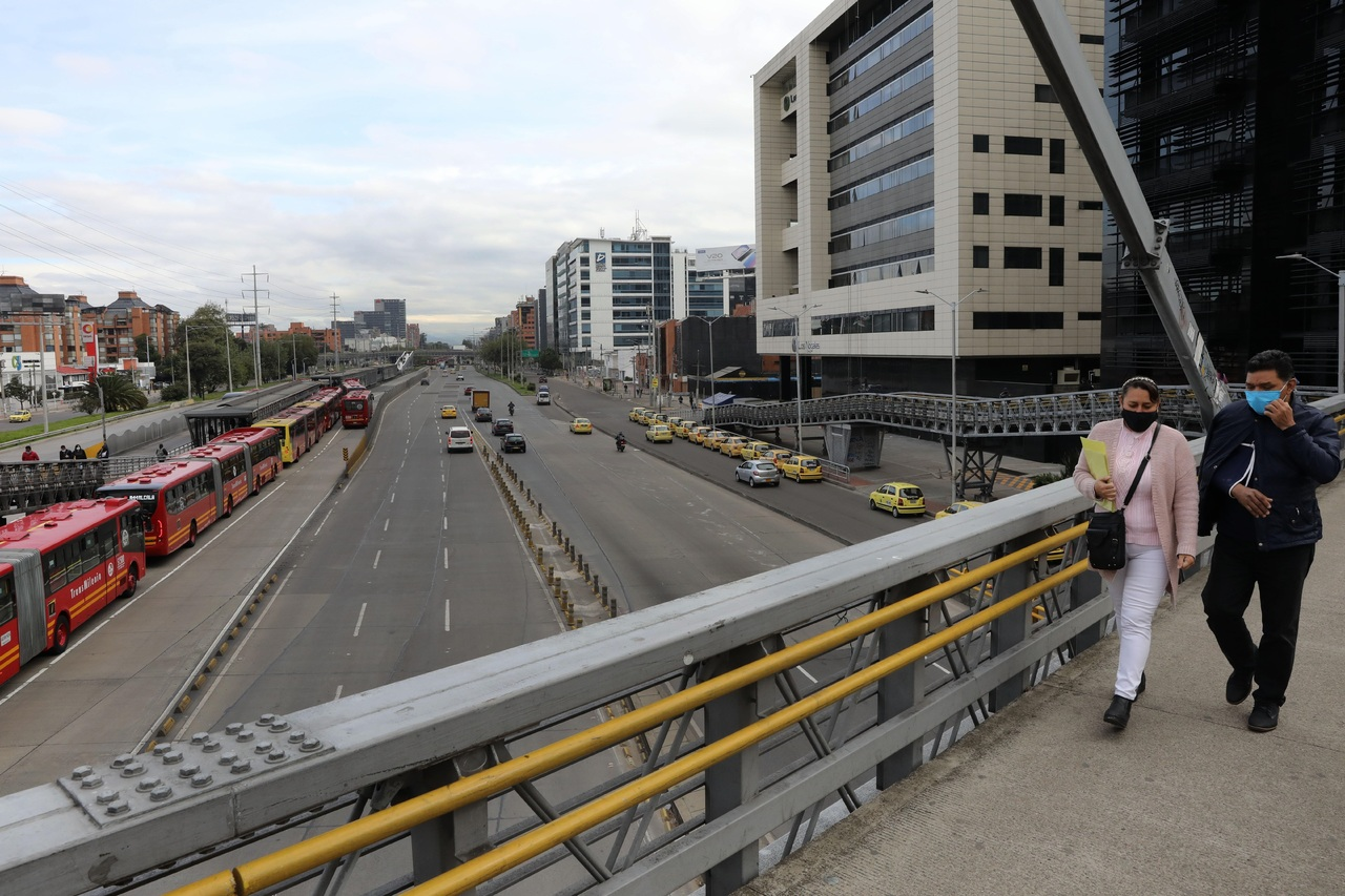 Colombia emite deuda: 1,300 mdd