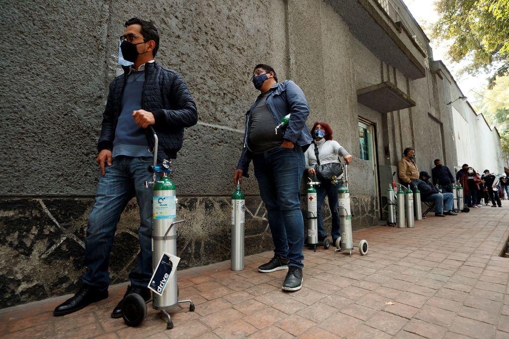 Suman 15 mil 873 nuevos contagios de Covid en México