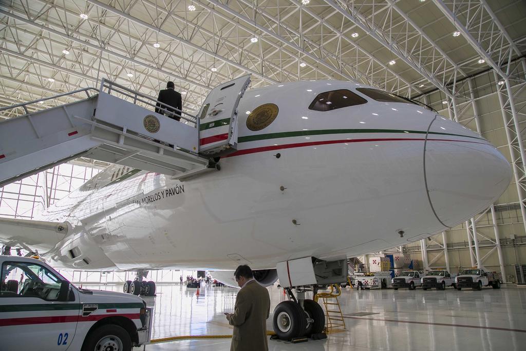 Reconoce AMLO que ha sido difícil vender el avión presidencial