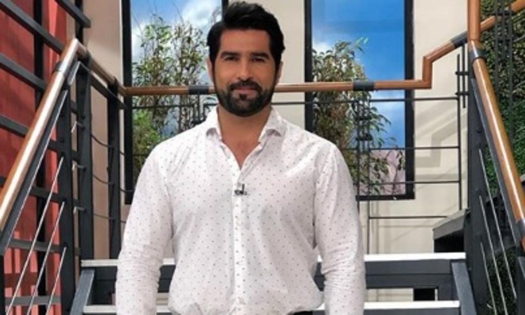Tras dejar HOY, prohíben la entrada a Arturo Carmona a Televisa