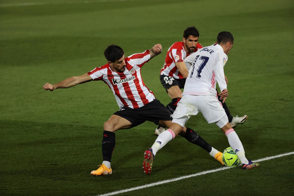 Raúl García deja fuera de la pelea por el título de la temporada al Real Madrid