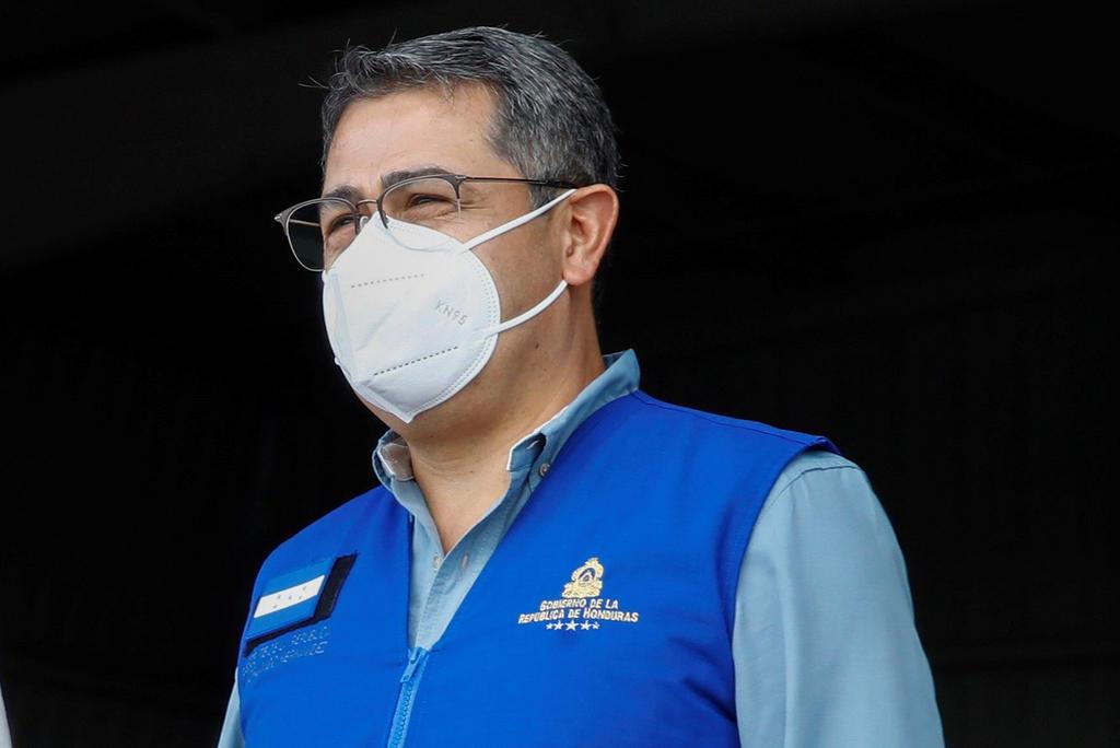 Tres diputados quieren destituir al presidente de Honduras