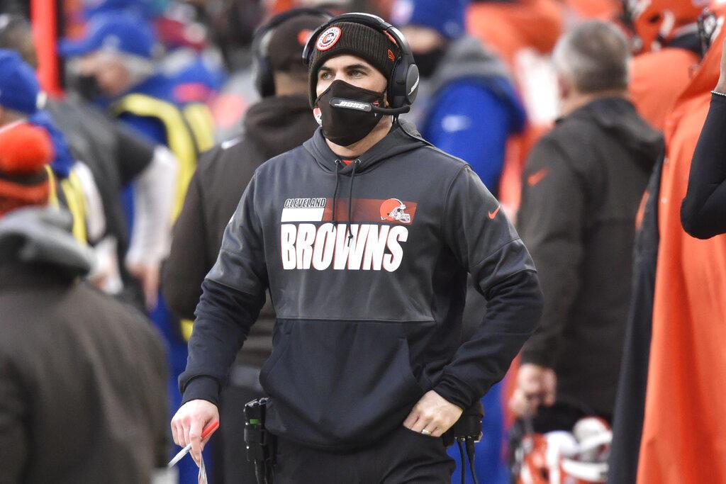 Stefanski, entrenador de Browns, regresa al equipo recuperado de COVID